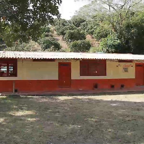 Construcción de Escuela en El Playón (1)