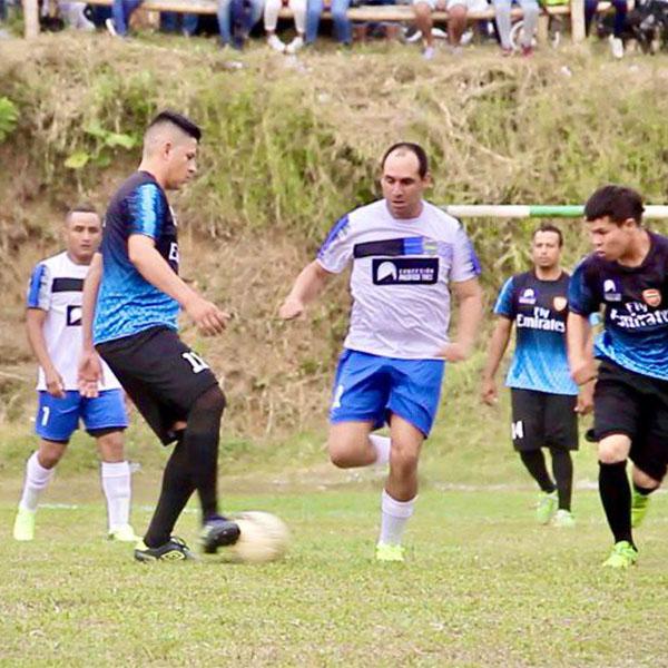 Partido-de-Fútbol-Calle-Larga-19-1