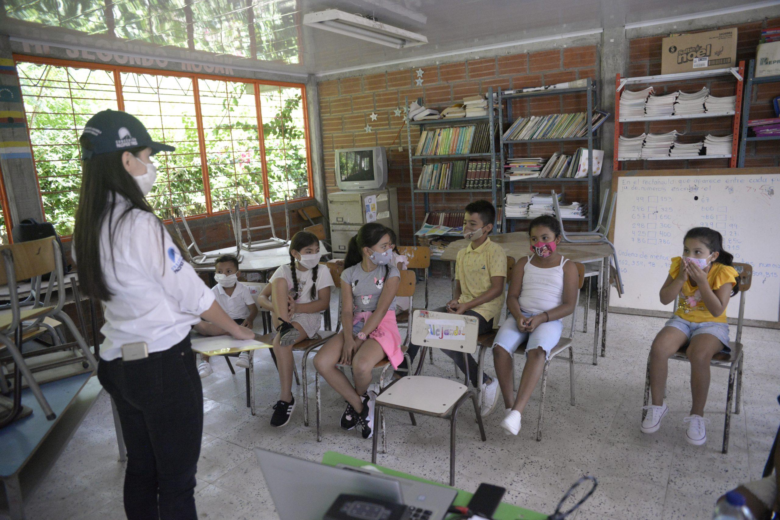 Capacitación, educación y concientización a la comunidad (2)