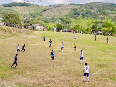 Partido-de-Fútbol-Calle-Larga-24